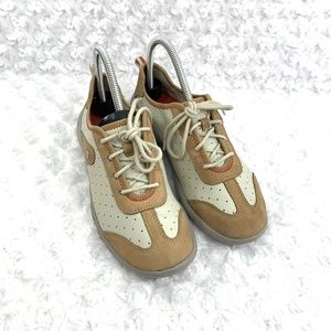 PRIVO By CLARKS Bone /Tan Leather Walking Sneaker